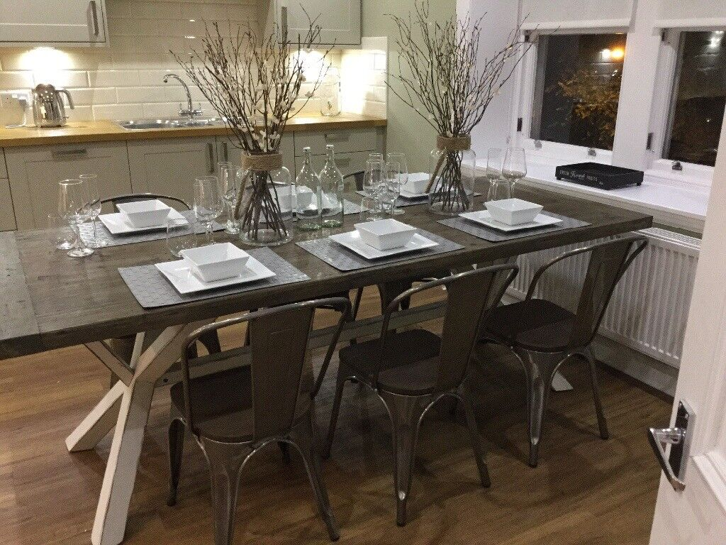 ROWICO DINING TABLE FOR 6-8 PEOPLE