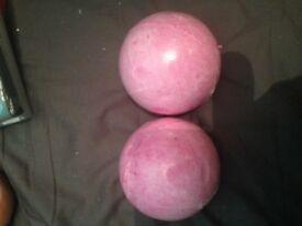 2 bath bombs