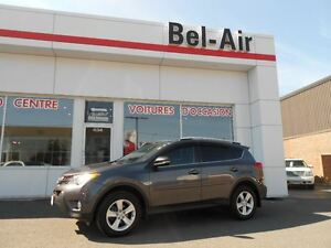 2014 Toyota RAV4 XLE/ All Wheel Drive/ ECP warranty till 04/07/1