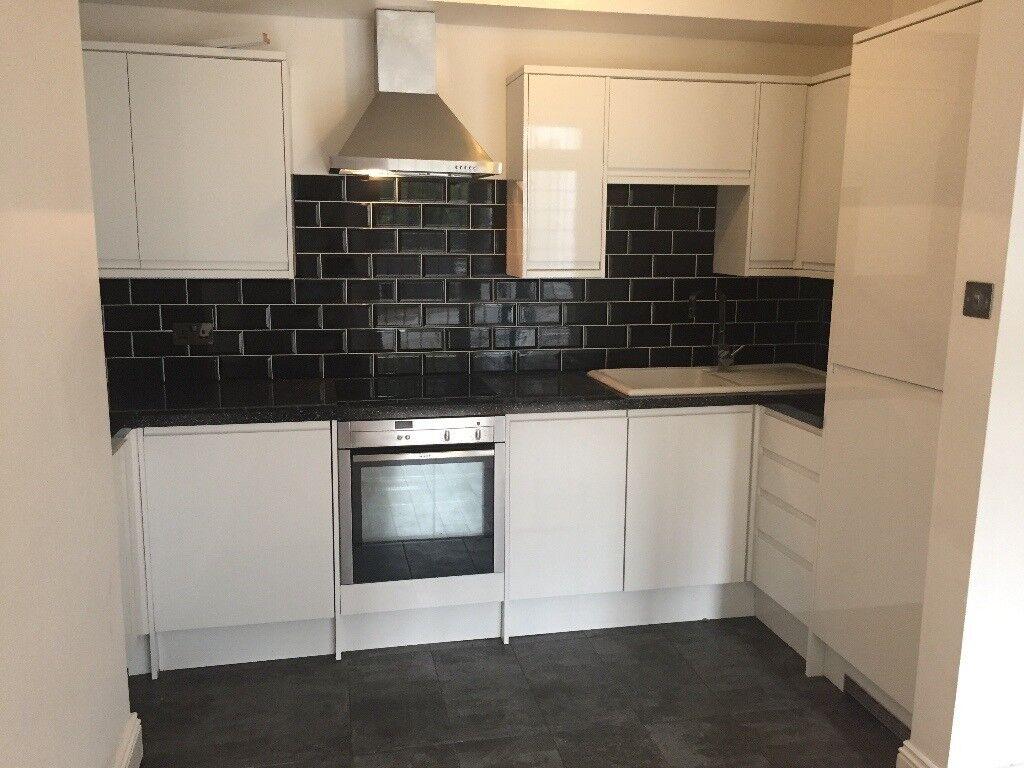 Howdens Kitchen Appliances Price - Howdens Burford Kitchen Units In ...