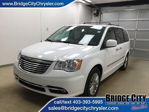 2016 Chrysler Town & Country Touring- Leather, Heated Seats, DVD