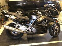 HONDA CBR 600 F 1994 MOTORBIKE - BLACK - GREAT LOOKING BIKE BUT RECENTLY NOT WORKING