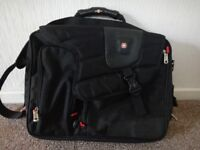 swiss gear lap top case lots of different sections etc