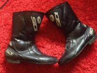 SDI biker boots