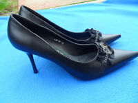NEW Ladies black evening shoes. Stiletto heel Diamante embellished size 38 / 5 - Pokesdown BH5
