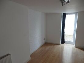 Two bedroom ground floor apartment in town centre for rent