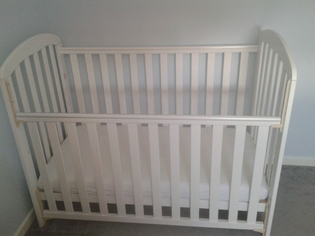 obaby lily white wood cot