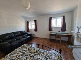 1 bedroom in Morden Court, London, SM4 (#1050269)