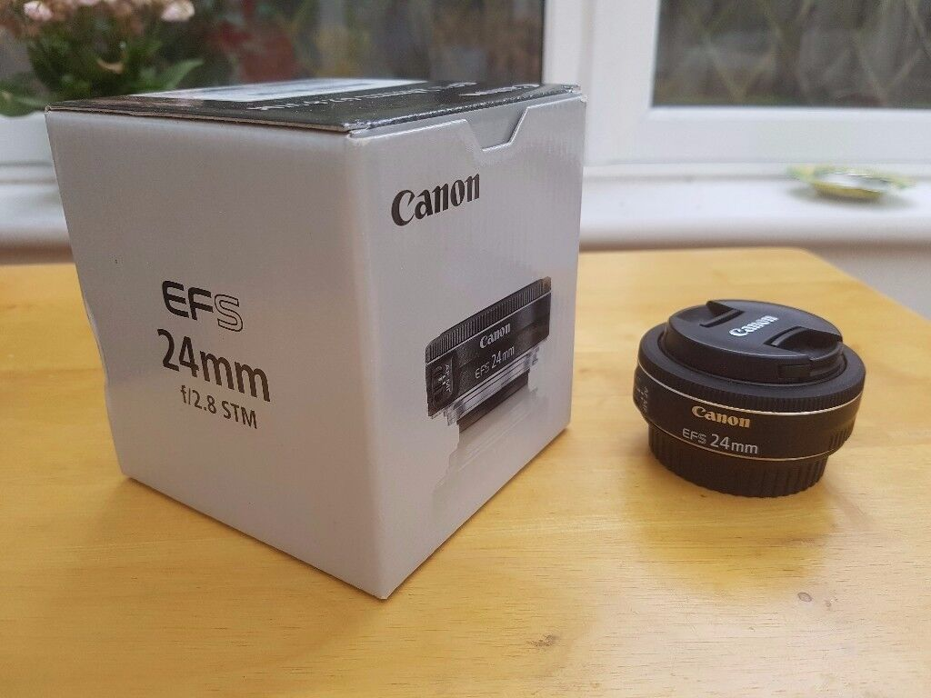 Canon EF-S 24mm f/2.8 STM Lens - barely used!