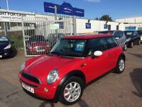 2003 03 MINI COOPER IN BRIGHT RED SUPERB DRIVE AND VALUE FOR MONEY LOOKS STUNNING, REDUCED, NEW MOT