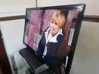 28 inch Samsung LED tv. Freeview. Remote. Usb. Wall bracket