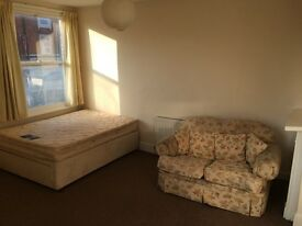 Room To Rent DE1 Duffield Road Five Lamps Double & Single Rooms flat house share