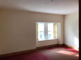 Flat for rent, central location in Paisley