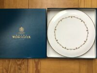 Royal Worcester Cake Plate: Gold Chantilly
