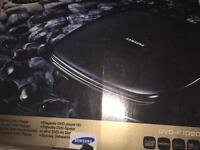 Samsung DVD Player, full HD, HDMI, DIVX,TOUCH SENSOR