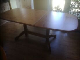 dining table 160 cm by 98 cm extends to 200 cm