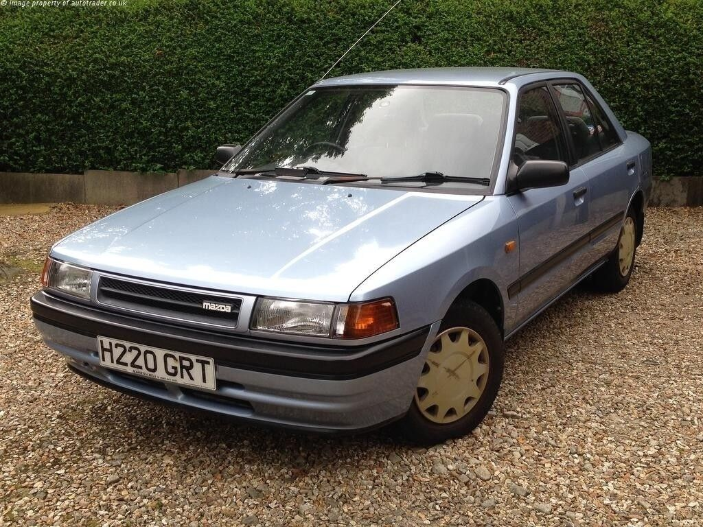 classic MAZDA 323 SE 1.3 very low mls mint condition