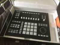 Native Instruments Maschine Studio Black with Maschine 2.6.5 software and Komplete 11 Select