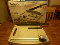 Twin cutter guillotine (NEW)
