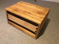 "19"" 4U Solid oiled oak studio rack"