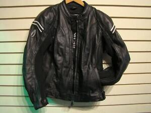 Richa. Manteau de moto pour femme. -- 101835