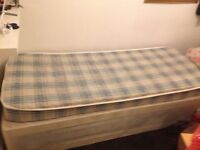 Single bed and mattress,good condition £20