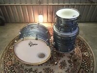 "Gretsch Renown Maple Shell Kit, Grey Oyster 24"" Kick Drum"
