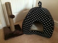 Brand new cat bed & scratch pole (pets at home)