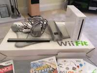 Wii fit console and board