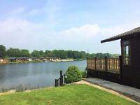 Amazing lake front lodge - 3 bedroom - 5 star facilities - pool, gym, spa, bar