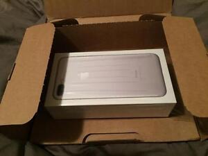 Apple iPhone 7 Plus (256GB Storage Capacity) - Unlocked by Apple ($630)