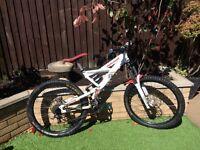 Mongoose black diamond downhill full suspension mountain bike