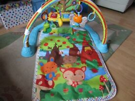 VTECH GLOW AND GIGGLE PLAYMAT.