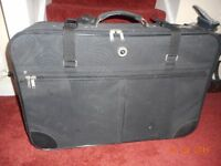 LARGE MARCO POLO BLACK SUITCASE