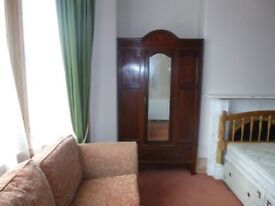 Rooms available in a six bedroomed house