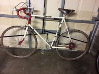 Men's bicycle 1950s vintage Raleigh. Brooke's original saddle, excellent confition