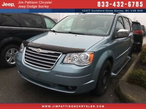 2010 Chrysler Town & Country Touring LOW MILEAGE VEHICLE