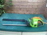 Performance electric hedge trimmer