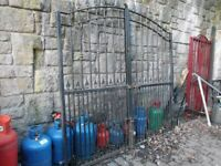 RECLAIMED DOUBLE DRIVEWAY GATES ( LARGE )