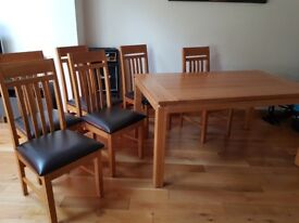 Beautiful Cotswold Co. Dining Set - Solid Oak Table and 6 chairs