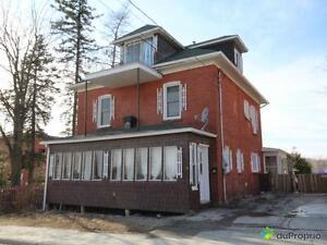 219 995$ - Maison 3 étages à vendre à Sherbrooke (Fleurimont)