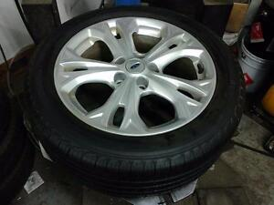 225 50 17 Michelin Defender 90% tread on OEM 2012 Ford Fusion Alloy rims 5 x 114.3 in perfect condition / TPMS