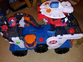 Imaginext battle rover with figures and discs
