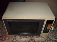 Heavy duty microwave oven in good working order