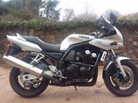 Yamaha Fazer FZS 600 2000, only 2 owners, low millage and extras
