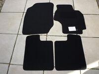 Toyota Rav4 mk2 tailored floor mats.