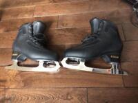 EDEA Ice Fly skates, size 250, black