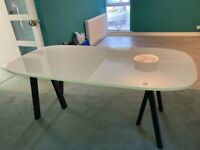 White lacquered top dining table