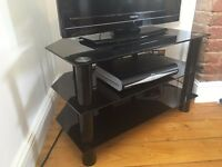 "TV Stand - Gloss Black (LEVV 32"")"