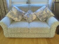 Nearly new luxurious 3 piece suite with 2 manual recliners